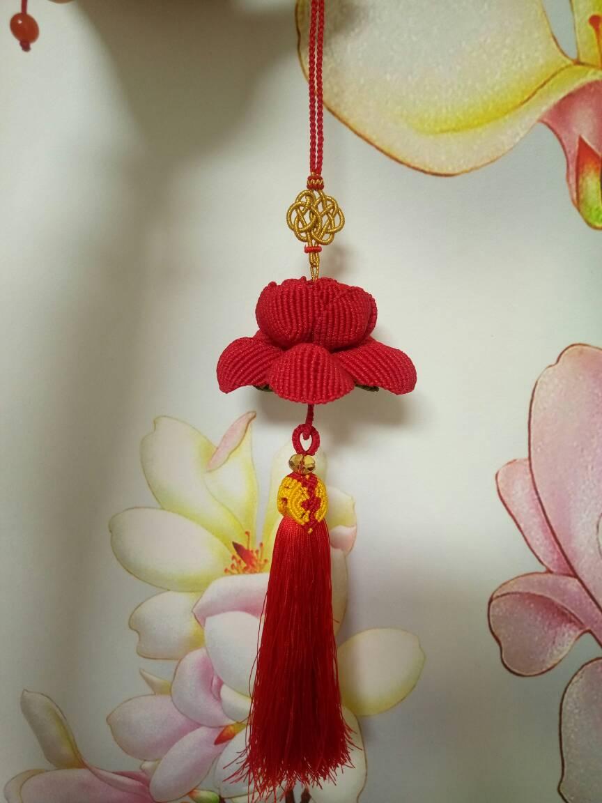 中国结论坛 玫瑰车挂和牡丹车挂,红色用的A玉线,有点勒手,做完了有点手指疼  作品展示 204103cm4533zdknk3o4o3
