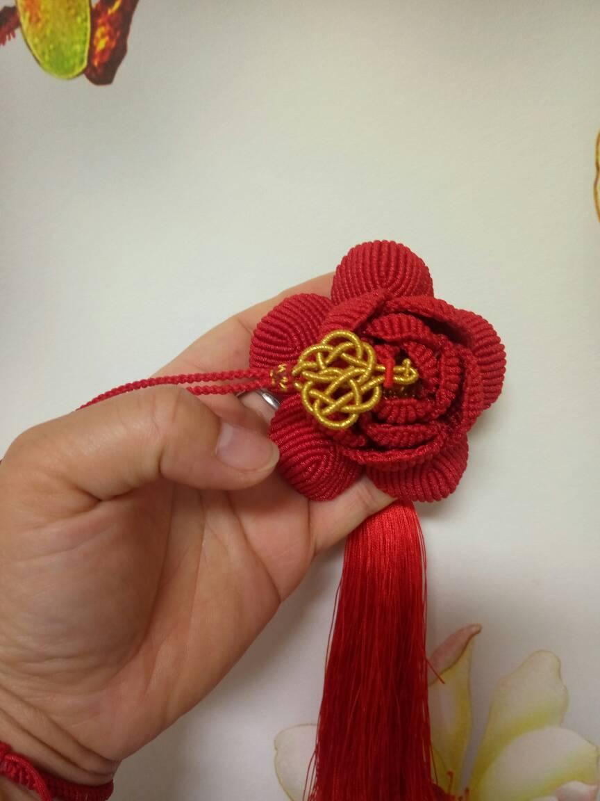 中国结论坛 玫瑰车挂和牡丹车挂,红色用的A玉线,有点勒手,做完了有点手指疼  作品展示 204105yi6wtwdgjmgx5itj