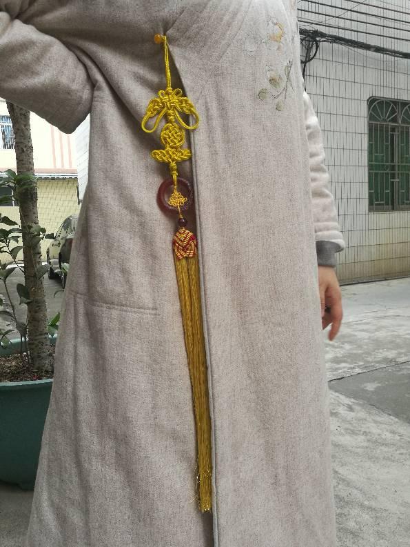 中国结论坛 压襟 旗袍压襟的戴法图片,压襟百度百科,压襟儿的寓意,古代压襟,压襟的戴法图片 作品展示 105213x0878098r978z868