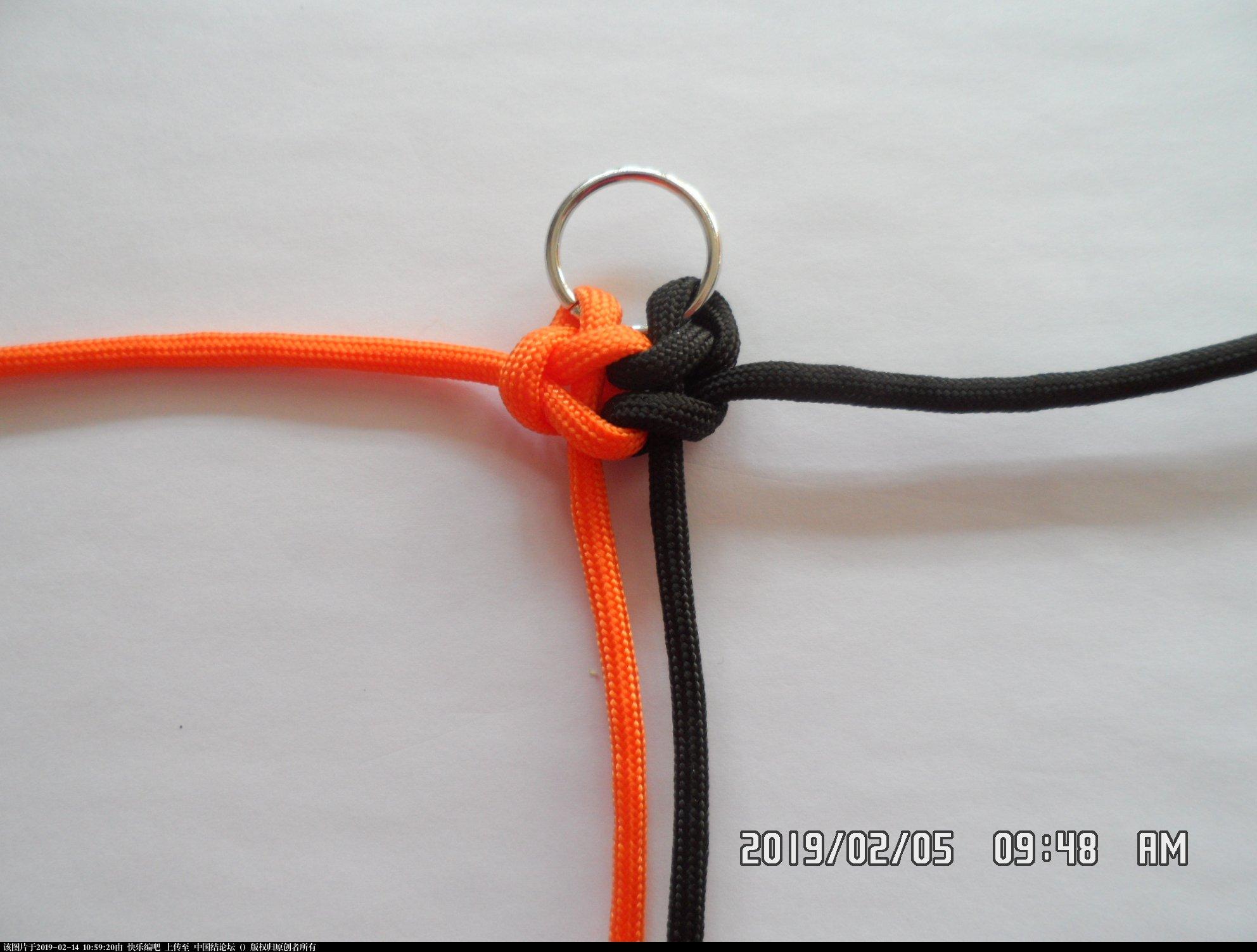 中国结论坛 一款漂亮的伞绳挂件(3)—— 雀头结还可以这样编  图文教程区 101749z0i8m6atmt8zach8