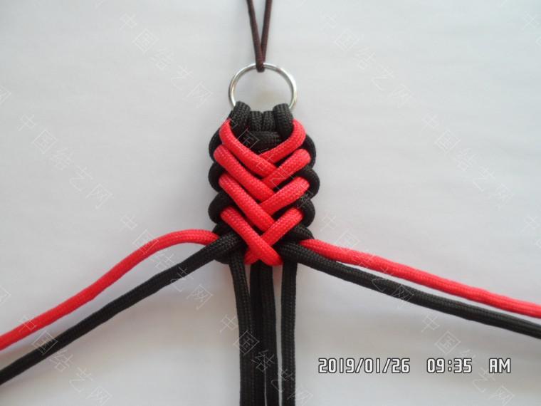 中国结论坛 一款漂亮的伞绳挂件(5) 漂亮的,挂件,漂亮,一款 图文教程区 132128tkj28aaxuzzfk3i3