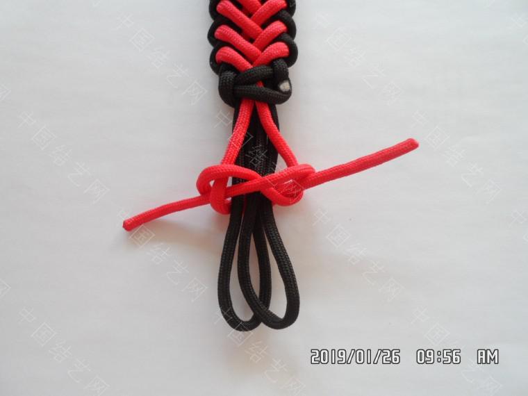 中国结论坛 一款漂亮的伞绳挂件(5) 漂亮的,挂件,漂亮,一款 图文教程区 132314lsxbvuc2oonad2xf