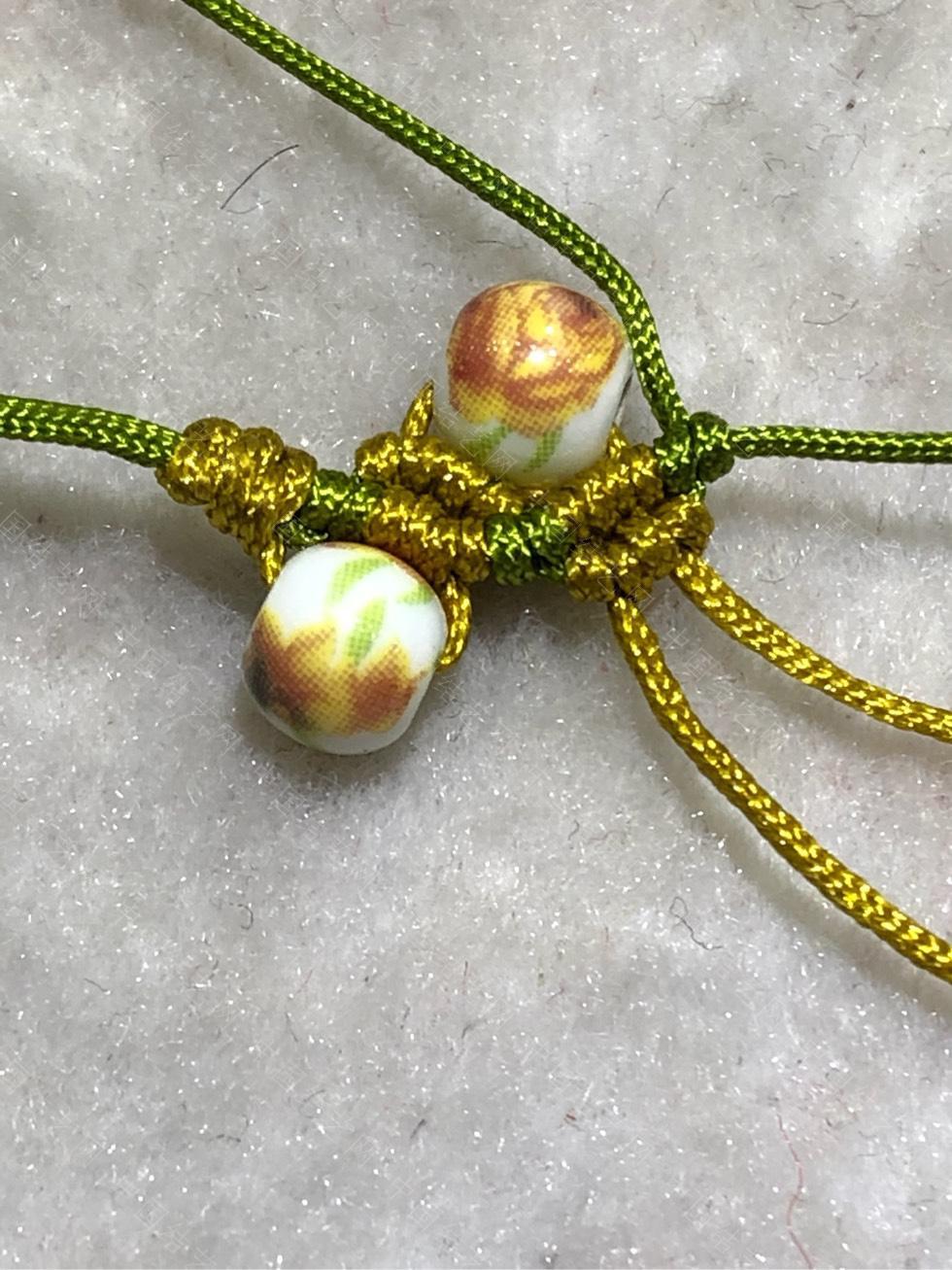 中国结论坛 陶瓷珠蕾丝手链。  图文教程区 144841wlump9zzmkuenolk