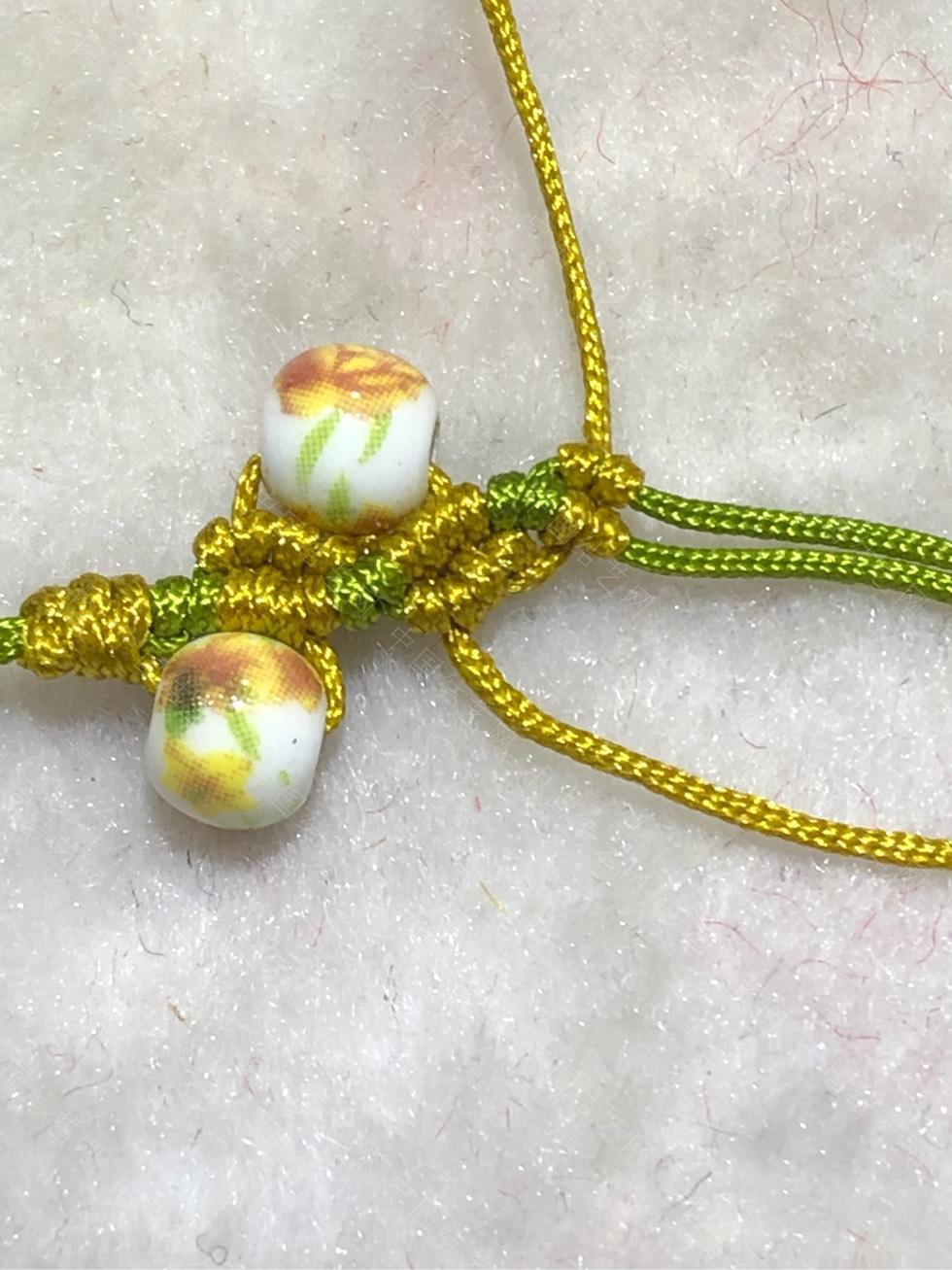 中国结论坛 陶瓷珠蕾丝手链。  图文教程区 144843qn0jinceeq37qq2q