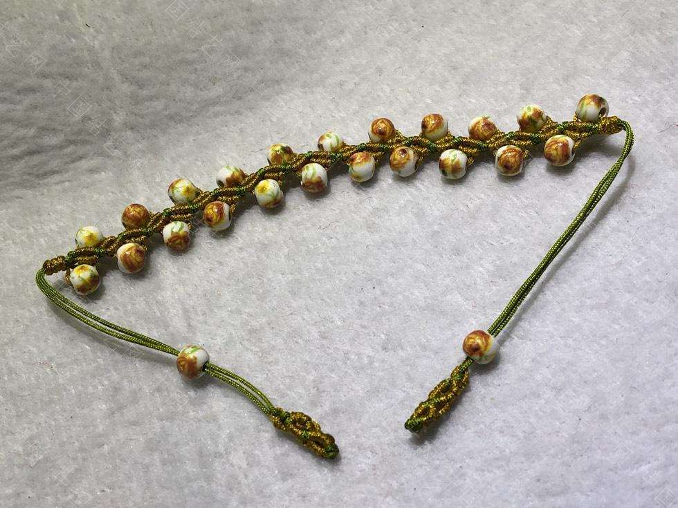 中国结论坛 陶瓷珠蕾丝手链。  图文教程区 144849a89pxxu80q7z00hf