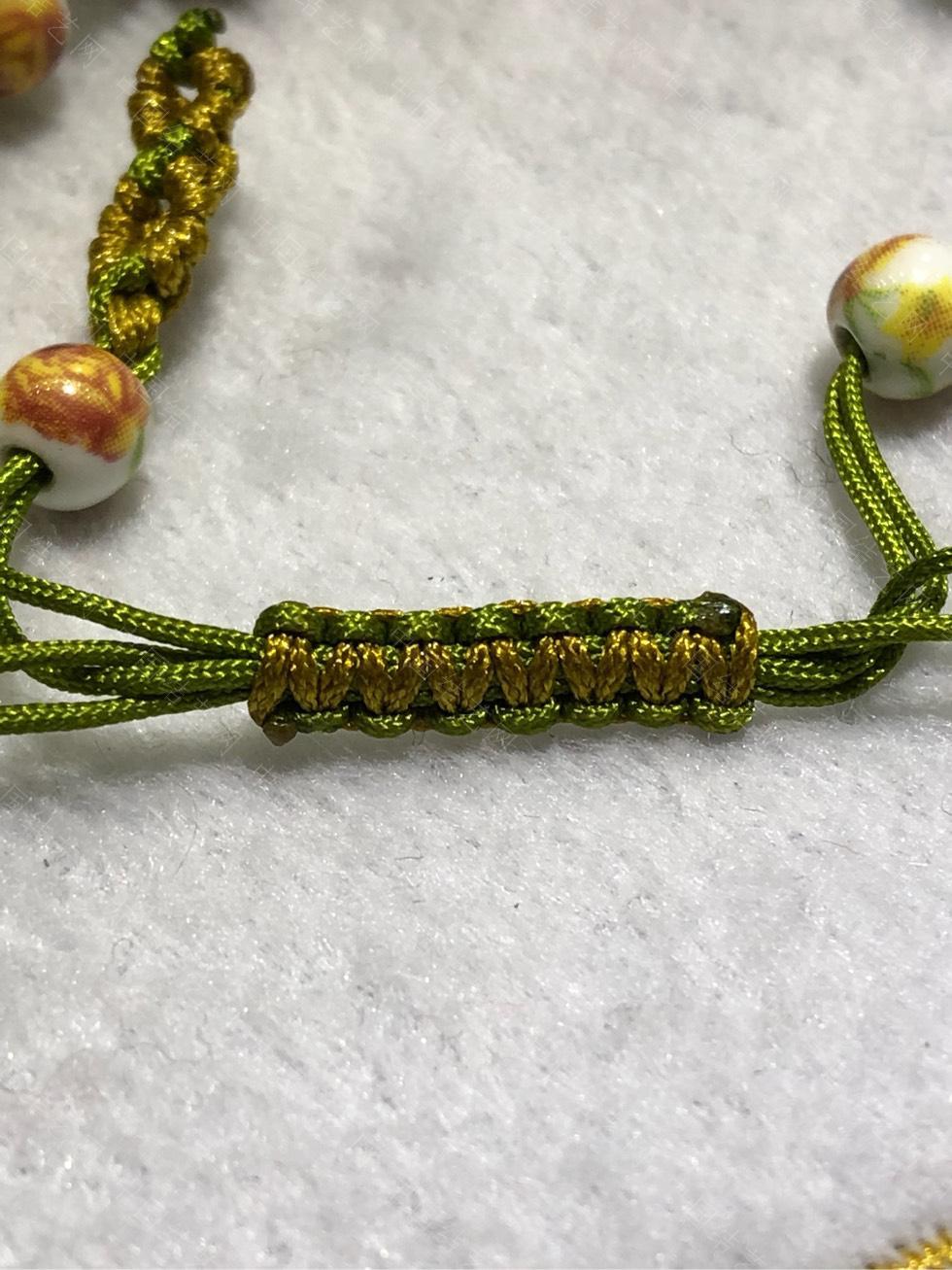 中国结论坛 陶瓷珠蕾丝手链。  图文教程区 144850e44hhr4hhlehz22s