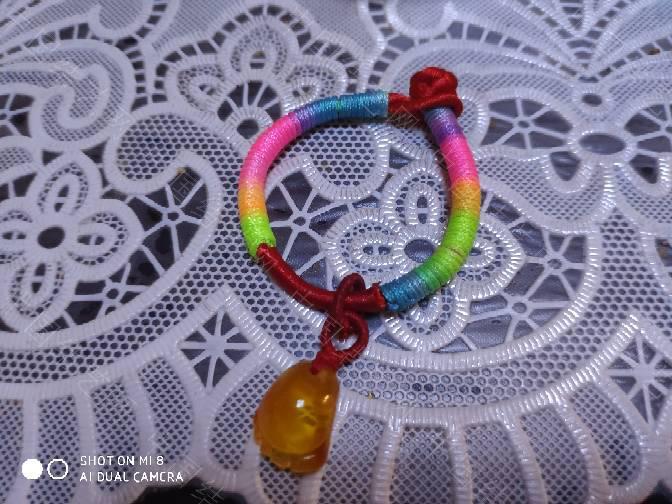 中国结论坛 宝宝手绳 宝宝带的红绳子怎么编,儿童编绳手链简单教程,婴儿手绳佩戴教程图解,适合宝宝戴的绳编手链 作品展示 221819a1b4zaztayyixbaz