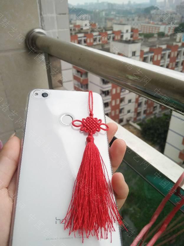 中国结论坛 才发现7#线的小盘长非常可爱,正红色和白净的机身也非常相称  作品展示 184213h5ugs795hu9iifsz