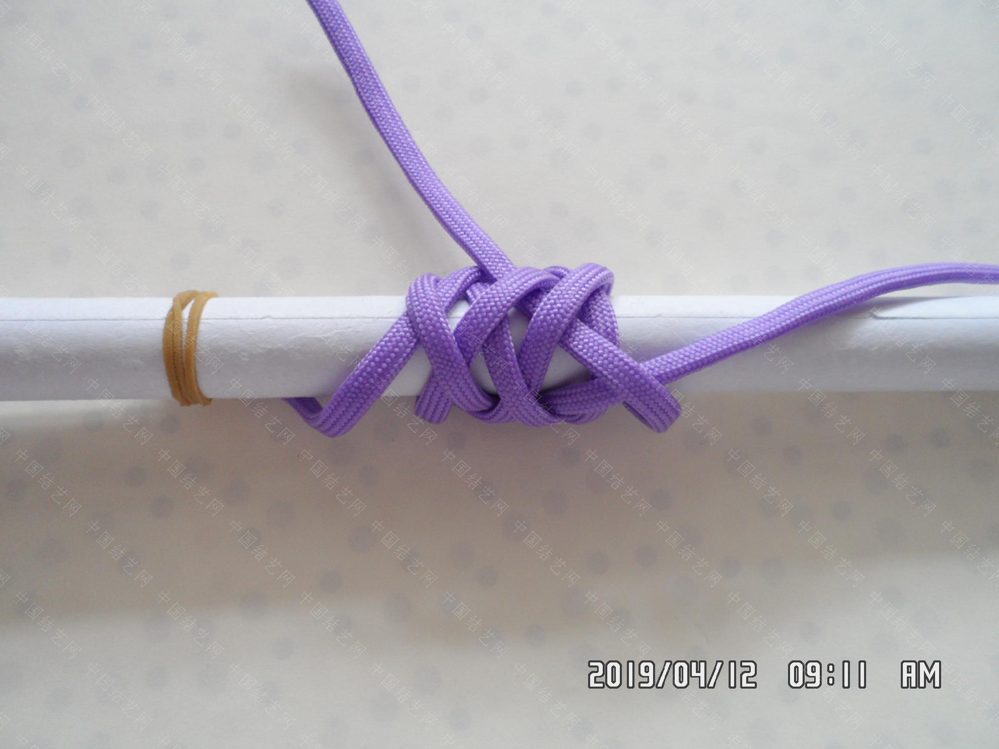 中国结论坛 一款伞绳扁形小挂件的走线方法  图文教程区 171428ijj1px2wbrdr2o13
