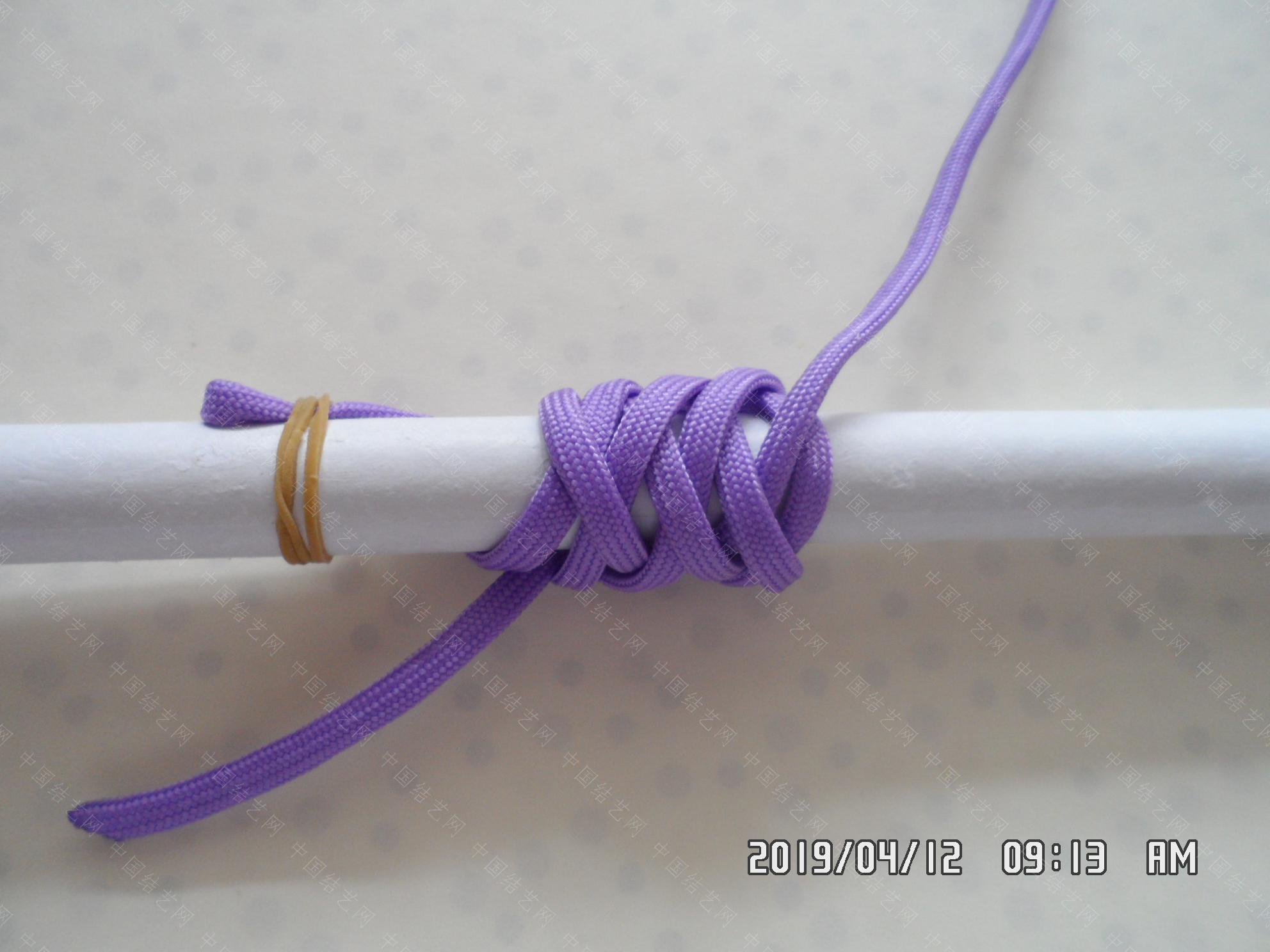 中国结论坛 一款伞绳扁形小挂件的走线方法  图文教程区 171508n86aitc2b8rbt2cc
