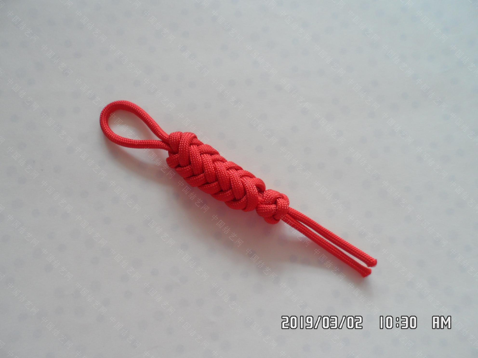中国结论坛 一款伞绳扁形小挂件的走线方法  图文教程区 171802fufpy9p0100ypa9l