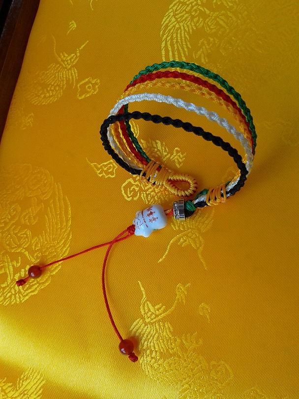 中国结论坛 端午又迎来高考,为考生编的五彩绳 端午,迎来,高考,考生,五彩 作品展示 113838lvvrxx2b0hbc23vu