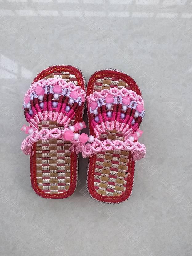 中国结论坛 串珠童趣拖鞋  作品展示 144031aiuwzqruz3hq193b