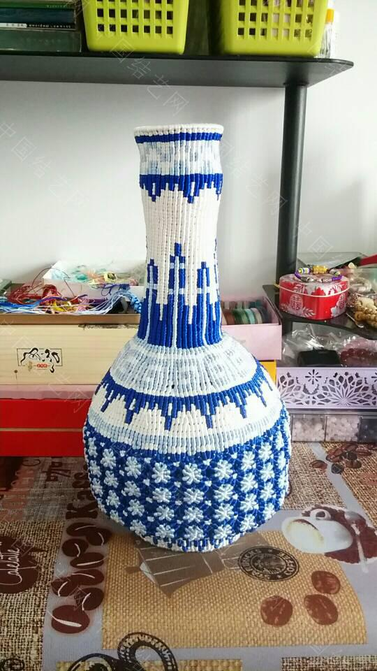 中国结论坛 最近迷上了青花瓷 这个大瓶子连设计带编用了十天时间  作品展示 105905q7rpcdrfhl0pfx0d