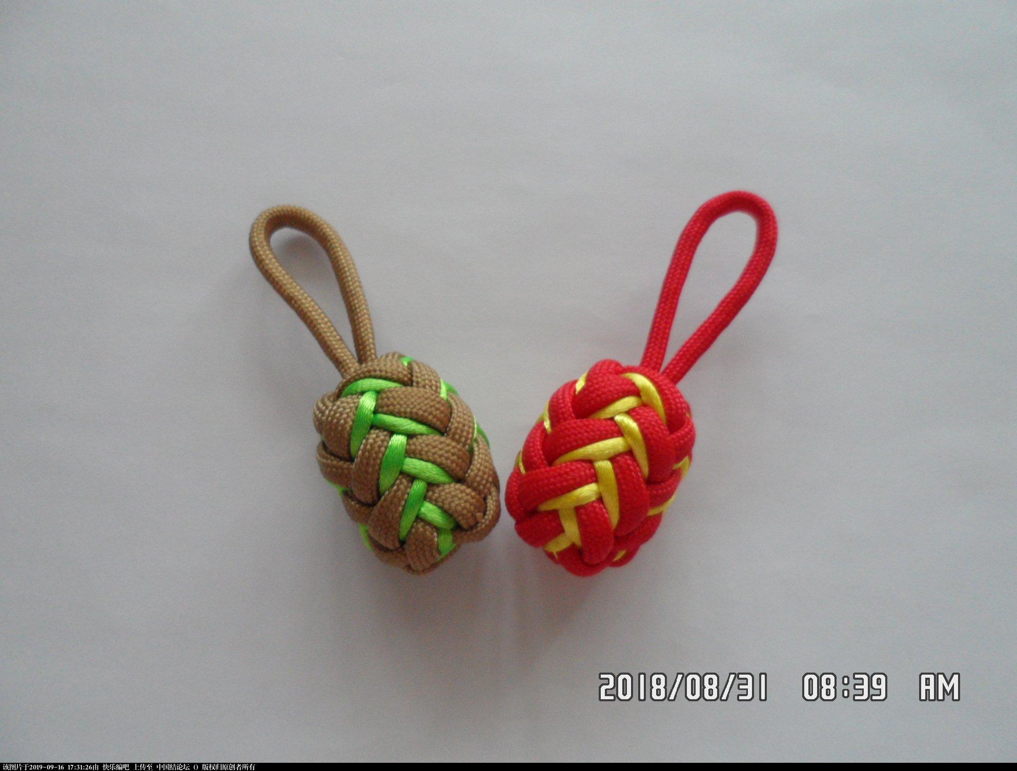 中国结论坛 一款伞绳菠萝形小挂件的走线方法  图文教程区 154115ujz89dppkj5pnyln