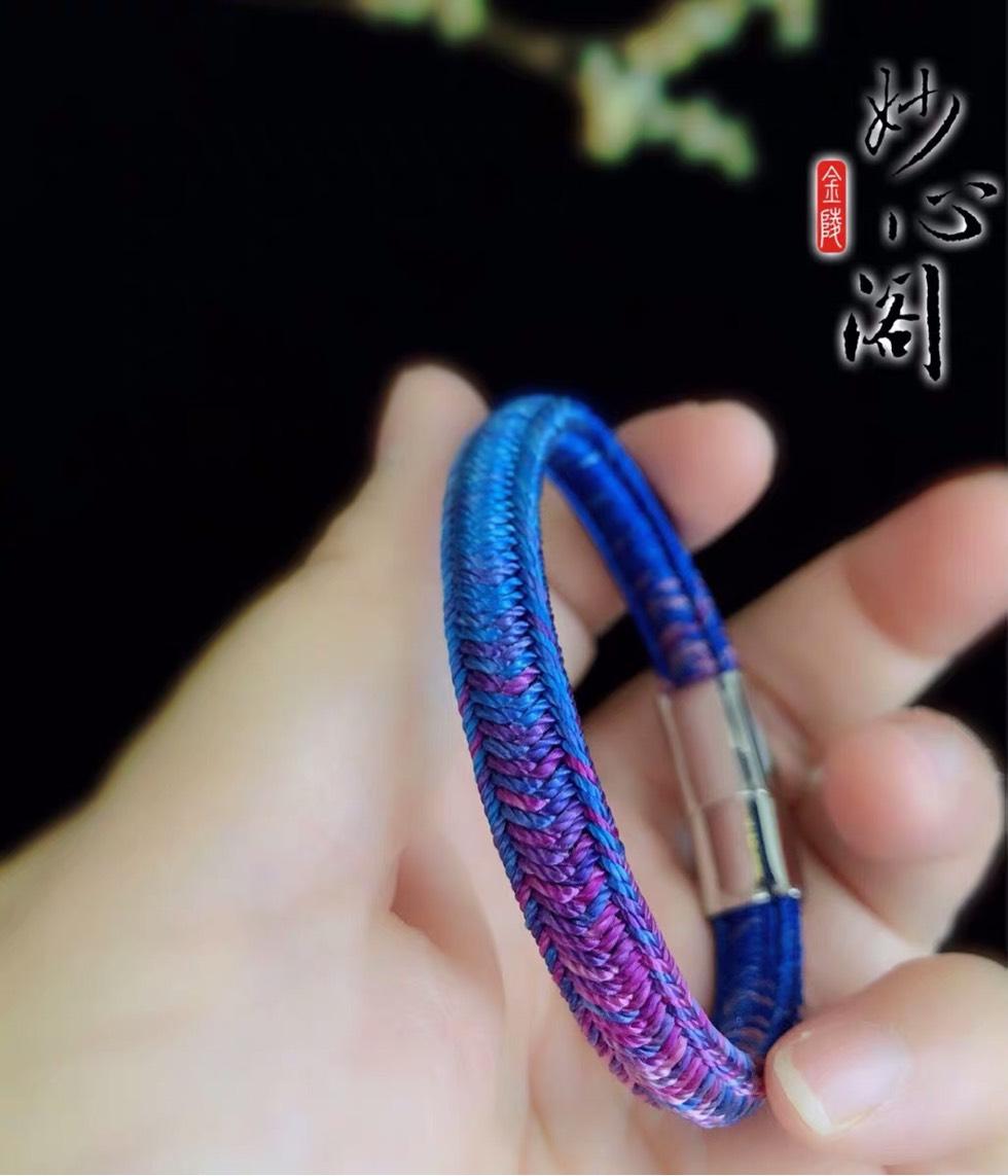 中国结论坛 请问各位结友这款手绳属于什么编法啊  结艺互助区 153102v9kkykk9blvqvyb9
