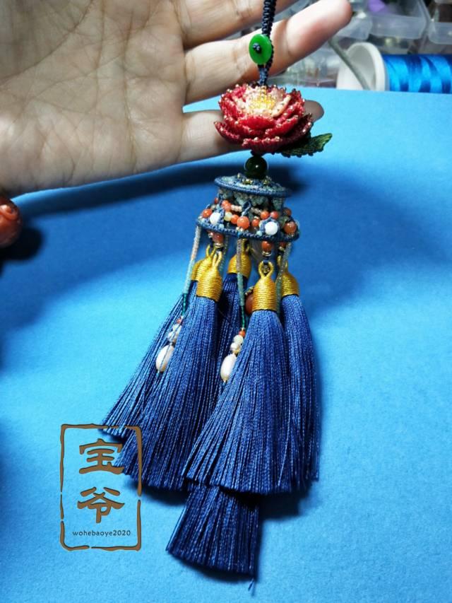 中国结论坛 牡丹流苏挂件 流苏吊坠编织方法图解,中间有筒的流苏怎么做,流苏与挂件连接方法,流苏怎么绑在挂件上 作品展示 205934keq2ne426h8inqeq