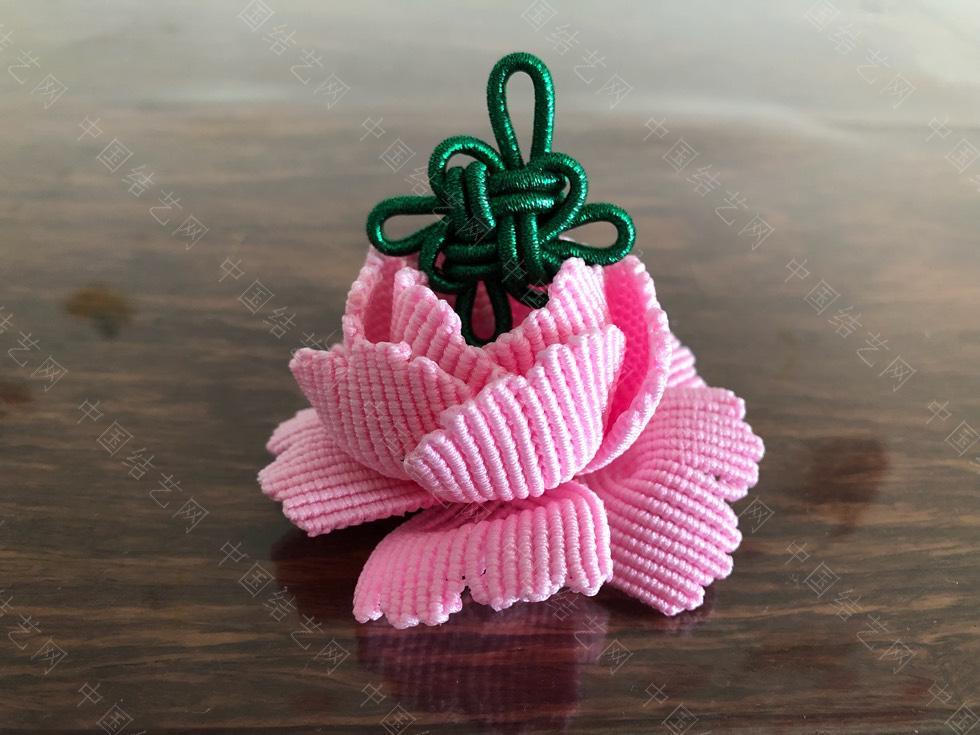 中国结论坛 第一个牡丹花,虽然过程很虐,但真的很美!超喜欢!只是配哪个色好看呢?好纠结!!  作品展示 154400xeq1cqfuef1u16fu