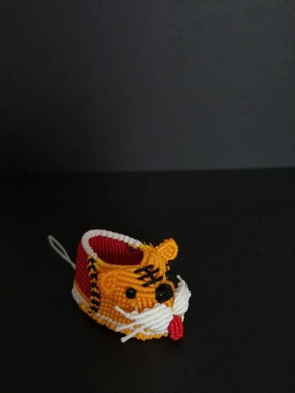中国结论坛 虎头鞋小挂件,辟邪,辟邪! 桃木辟邪小挂件图片,桃木辟邪小挂件批发,虎头帽虎头鞋禁忌 立体绳结教程与交流区 130041f6k8k8j888eumdr5