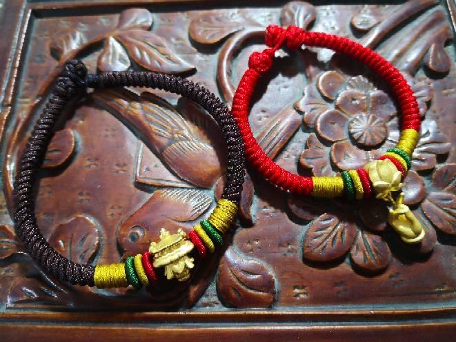 中国结论坛 手绳系列 手绳怎么戴在手上图解,二根绳子编手绳简单,手绳用蜡线还是玉线,一根绳子怎么编手绳,手把件的绳如何编 作品展示 111657m85s0nng607d00ye