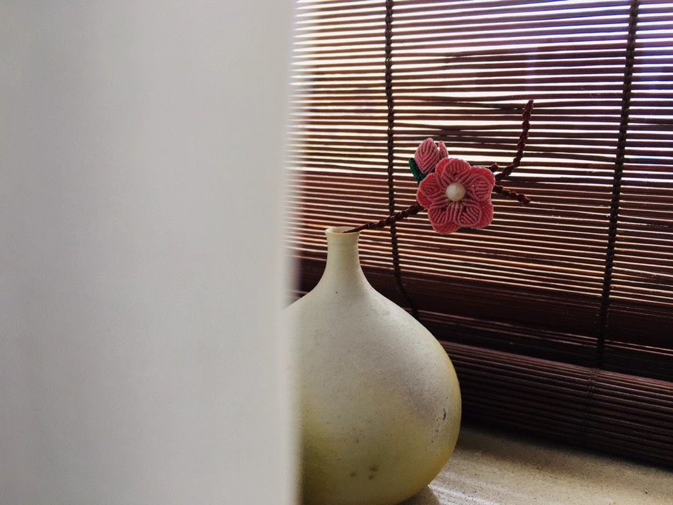 中国结论坛 这样放更别致 沙发不靠墙风水化解,沙发不靠墙隔断效果图,沙发不靠墙后面柜子图,沙发在客厅中间没有墙 作品展示 181532fsg5vhshhhrjsh6r