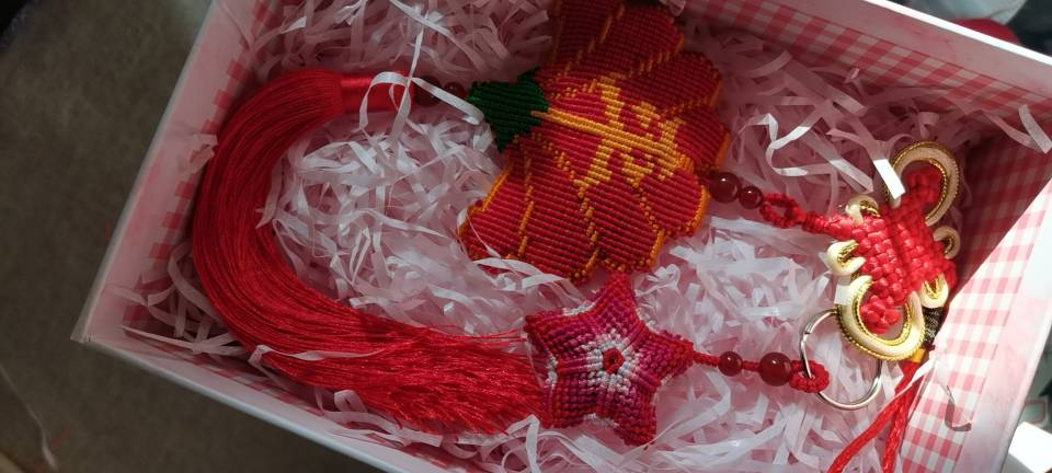 中国结论坛 平安车挂新鲜出炉 车挂,五角,斜卷结饰品,流苏 作品展示 083912pyuuvdz6tdtquuuu