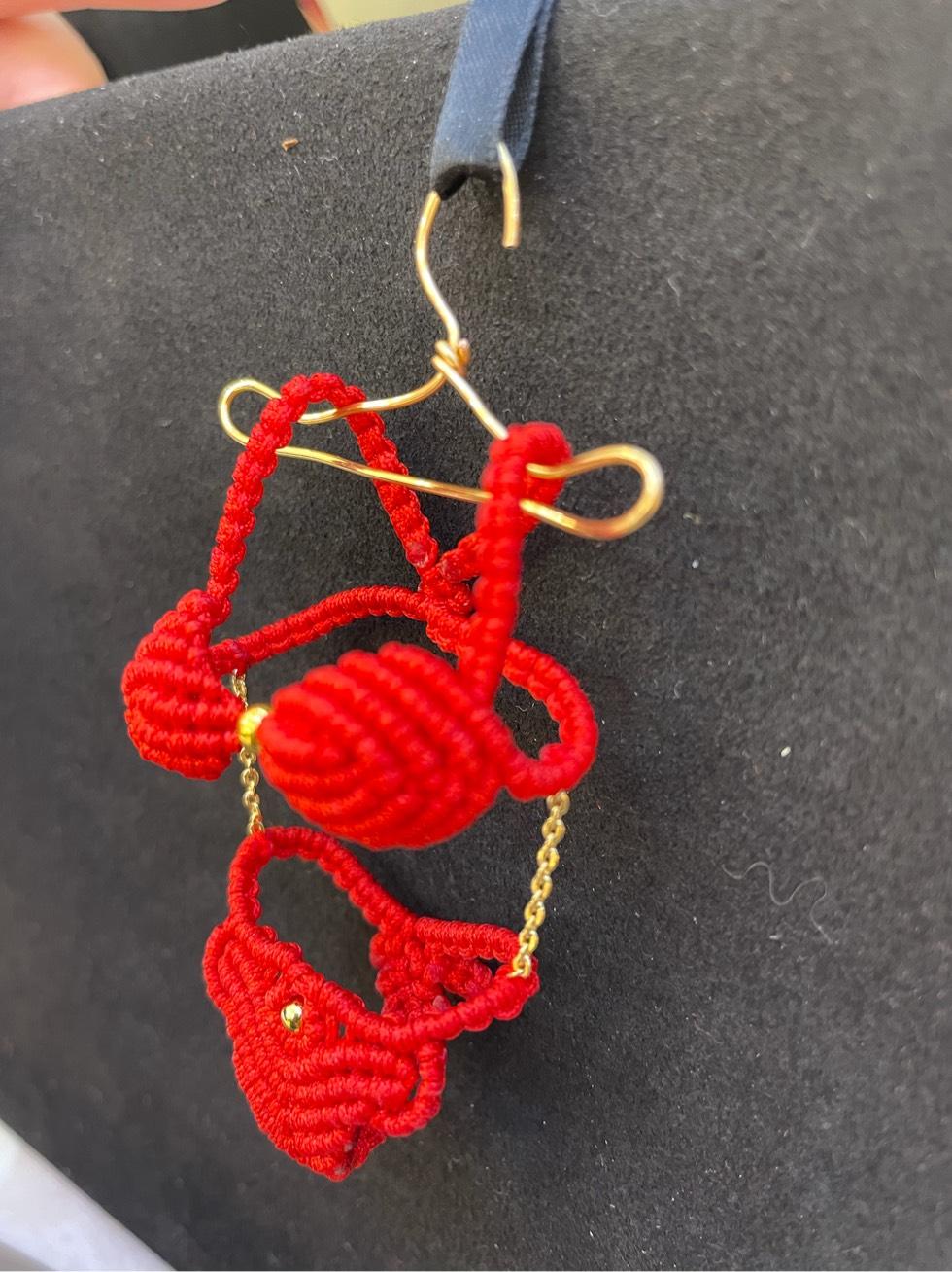 中国结论坛 本命年红内衣,逢胸化吉 本命年不能自己买红,本命年穿红色要穿多久,本命年送红内裤的禁忌 作品展示 172918hufqrr9tu8ff87f8