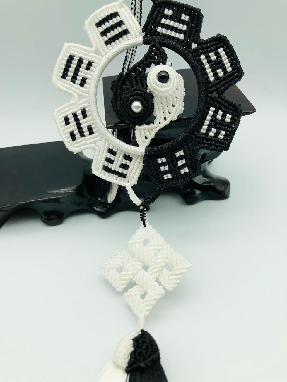 中国结论坛 黑与白 黑与白歌曲,白的还是黑的什么意思,黑与白之间的关系,黑与白是我们的距离 作品展示 222801qmrwom76h7z9m92e