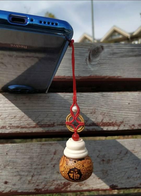 中国结论坛 纳福葫芦打孔做香囊 葫芦香包的做法图解,葫芦水烟袋的制作方法,葫芦香囊,小葫芦香囊怎么做 作品展示 004928e9mxxix0amqahqhg