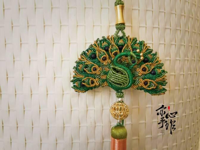 中国结论坛 孔雀香囊挂件 孔雀,玉雕镂空香囊怎么用,古色古香的香包挂件图,镂空的和田玉香囊 作品展示 072930rqn77bbmxnbnzftn
