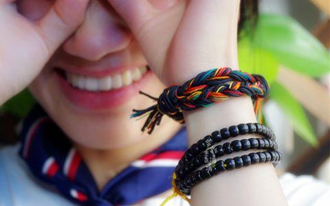 中国结论坛 情侣手链简单个性的手绳编法图解视频 手链,简单用一根绳编出手链,绳扣,绳子,一根绳编织手链图解 视频教程区 153413bomsw4vfwsswwvwo