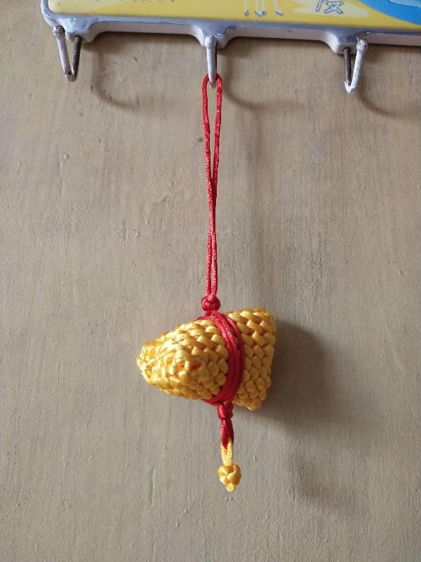 中国结论坛 粽子的三种编法 编绳小粽子,粽子编织绳的编法,手工编织粽子怎么编 作品展示 101355barvssww5rrvmx7b
