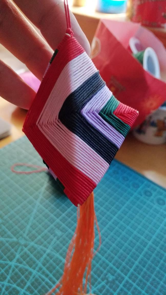 中国结论坛 粽子绕线失败呀,真不知道别人是怎么做的。 包粽子怎么缠线简单快,包粽子的草绳是什么草,包粽子怎样绑棉绳视频,包粽子的绳子怎么打结 作品展示 103252qnxrgqjjg8jkrnbw