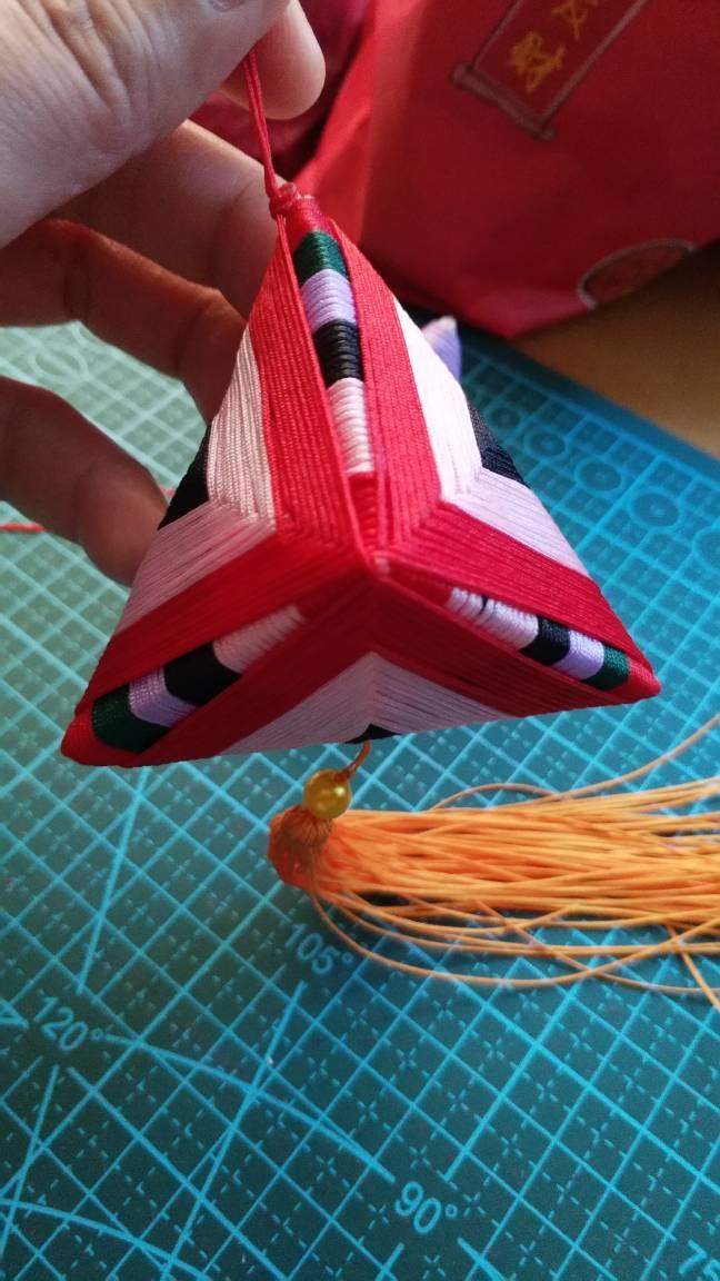 中国结论坛 粽子绕线失败呀,真不知道别人是怎么做的。 包粽子怎么缠线简单快,包粽子的草绳是什么草,包粽子怎样绑棉绳视频,包粽子的绳子怎么打结 作品展示 103253t0797mjx7o0jzuxv