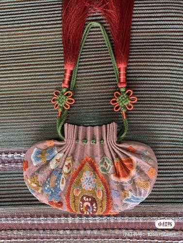 中国结论坛 缂丝精品打籽绣荷包 刺绣缂丝,手工绣双荷包怎么做,荷包上绣字步骤,手绣针法 作品展示