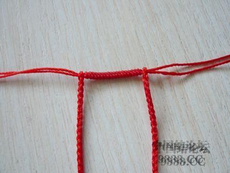 中国结论坛 三生绳三层红绳手链的编法(多图) 手链,一根红绳怎么编手链,各种寓意好的绳结手链,二根绳子各种编法图解 图文教程区 46ef80cfaadd3d1565a3b6021e2bdcc215