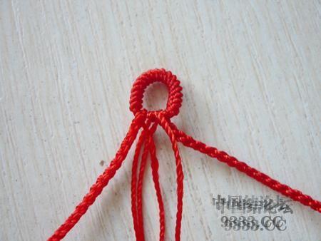 中国结论坛 三生绳三层红绳手链的编法(多图) 手链,一根红绳怎么编手链,各种寓意好的绳结手链,二根绳子各种编法图解 图文教程区 46ef80cfaadd3d1565a3b6021e2bdcc217