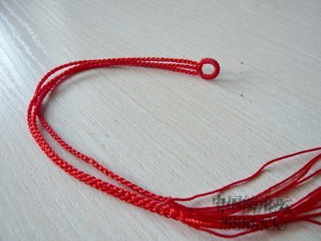中国结论坛 三生绳三层红绳手链的编法(多图) 手链,一根红绳怎么编手链,各种寓意好的绳结手链,二根绳子各种编法图解 图文教程区 46ef80cfaadd3d1565a3b6021e2bdcc218