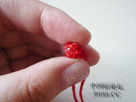 中国结论坛 三生绳三层红绳手链的编法(多图) 手链,一根红绳怎么编手链,各种寓意好的绳结手链,二根绳子各种编法图解 图文教程区 46ef80cfaadd3d1565a3b6021e2bdcc222