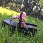 珍珠夹趾黑色底高跟凉鞋