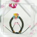 斜卷结小花不仅可以做首饰,还是很美的装饰!