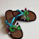 拖鞋,绿叶对根的情意