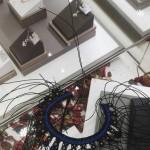 看着图学编的斜卷结项链,原图是用的蜡线,我用的玉线