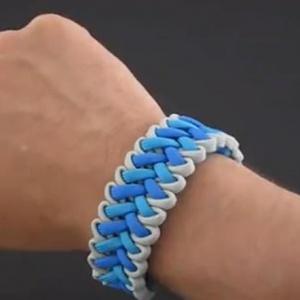 男生伞绳编织教程-蓝色魅力款手链编法
