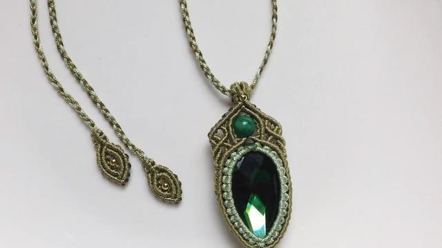 手工绳编精美的绿宝石项链,方法很简单,朋友们见了都赞不绝口