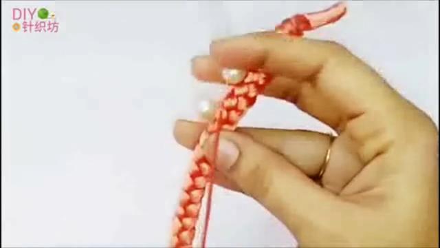 「时尚针织」教你超简单的方法编织时尚有型的珍珠项链