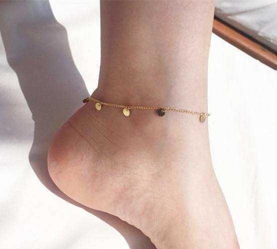 一条精致脚链,让你的玉足更加完美无缺