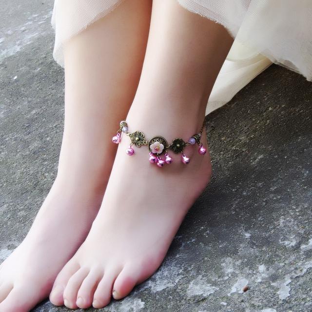 经常露脚踝的你,还不赶紧带上脚链去装饰自己的脚踝?