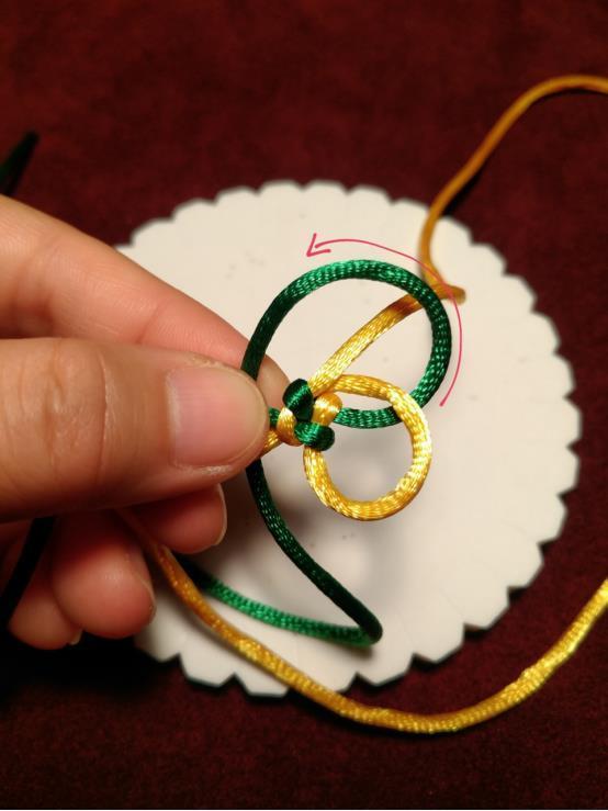 圆形玉米结的编法教程,用在钥匙扣、手链中很漂亮哦!