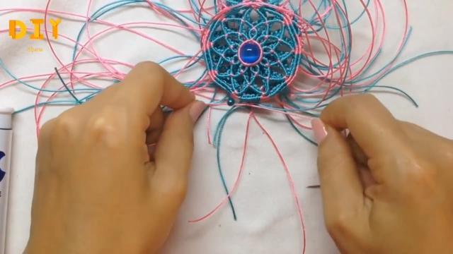 「手工绳编系列」精美佩饰挂件的编织方法(步骤3-2)
